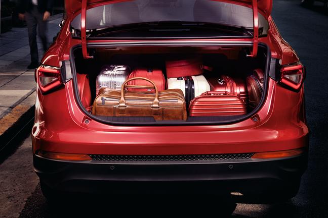 Fiat Cronos, sedã: 525 litros.