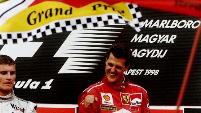 Schumacher comemorando sua 32° vitória na carreira.