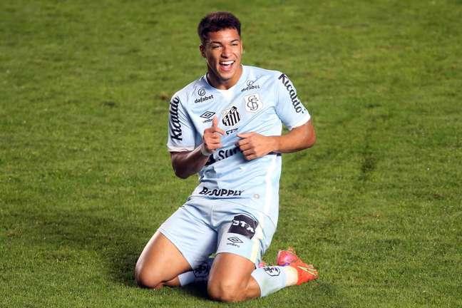 Santos goleia a Juareizense por 4 a 0 pela Copa do Brasil