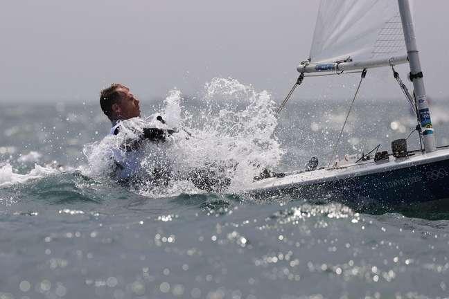 Robert Scheidt durante competição nos Jogos Olímpicos de Tóquio nesta quinta-feira Ivan Alvarado/Reuters