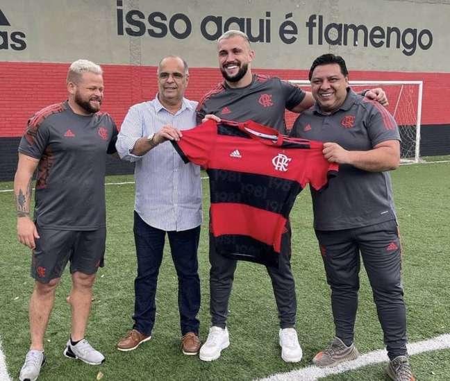 O ex-BBB 21Arthur Picoli, que jogará pelo Flamengo