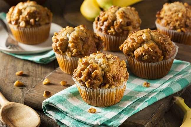 Muffin de banana é uma das opções quentinhas para se deliciar nos dias frios