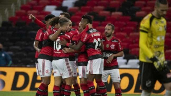 Flamengo venceu os últimos seis jogos (Foto: Alexandre Vidal/CRF)