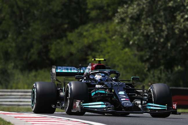 Valtteri Bottas foi segundo colocado no TL1 do GP da Hungria. Na segunda sessão, liderou por 0s027 de vantagem sobre Lewis Hamilton