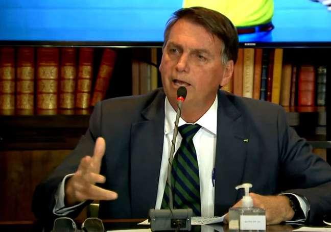O presidente Jair Bolsonaro na live desta quinta-feira, 29.