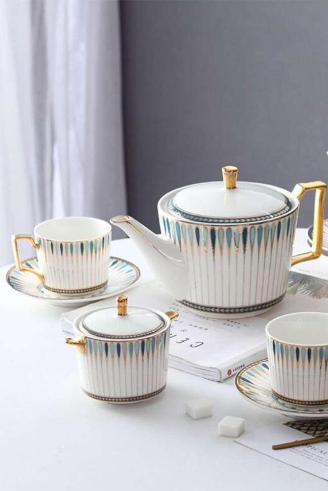 22. Lista de utensilios de cozinha completa com conjunto de chá – Foto Fourline