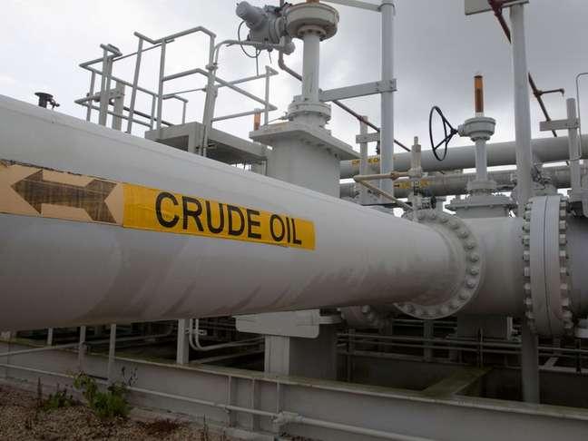 Tubos e vávulas de petróleo em Departamento de Energia, no Texas, EUA.  09/06/2016   REUTERS/Richard Carson