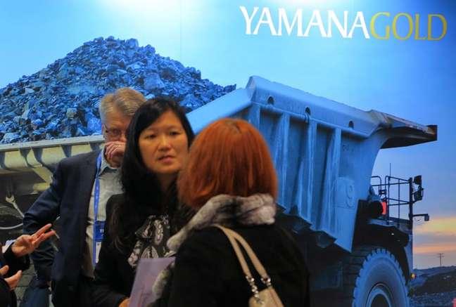 Visitantes na mineradora Yamana Gold, em Toronto, Canadá.  04/03/2019 REUTERS/Chris Helgren