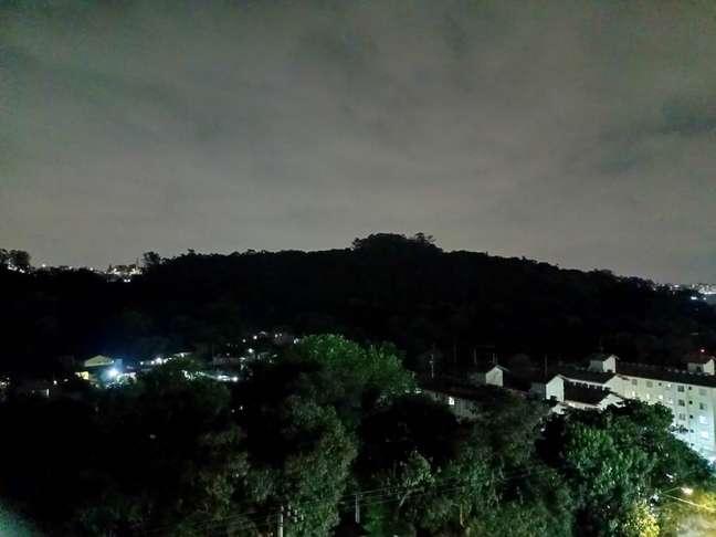 Foto tirada com a câmera principal do Realme C25 + modo Noite