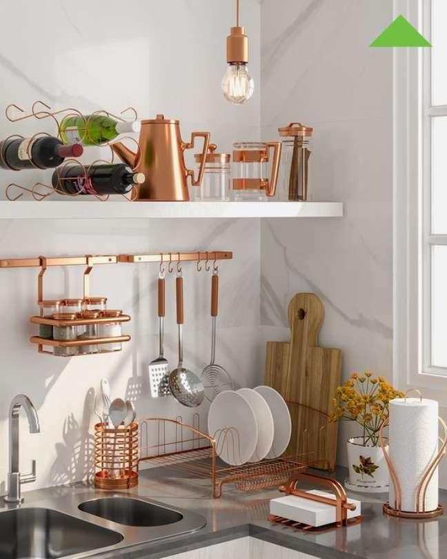6. Utensílios de cozinha em tons de rose gold – Foto Total Construção