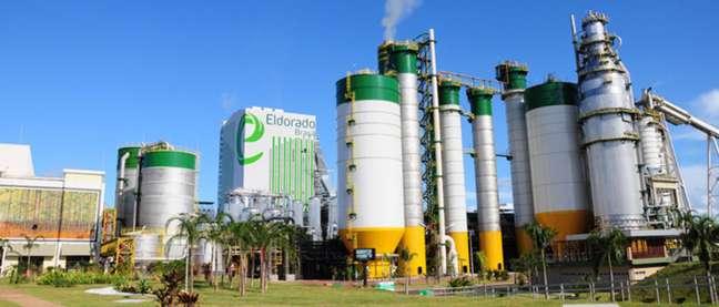 Eldorado Brasil Celulose informou tem a transferência do controle da companhia para a Paper Excellence suspensa