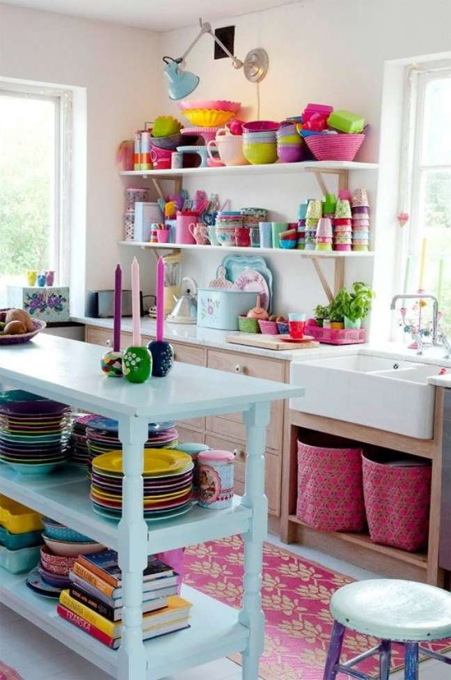 14. Lista de utensílios de cozinha completa com cores coloridas – Foto Simplichique