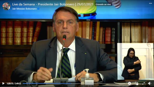Bolsonaro prometeu para 'live bomba' a apresentação de provas de fraudes nas eleições — mas não apresentou