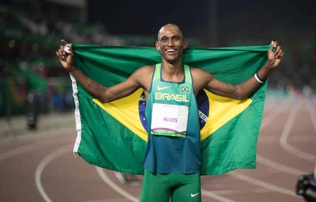 Alison dos Santos se classifica para semifinal dos 400m com barreira (Jonne Roriz/COB)