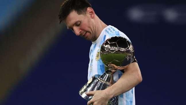 Messi mede 1,70m e é um dos melhores jogadores da história