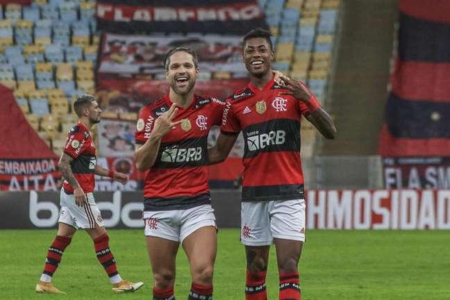 Diego e Bruno Henrique se destacaram no triunfo do Flamengo (Foto: Marcelo Cortes/Flamengo)