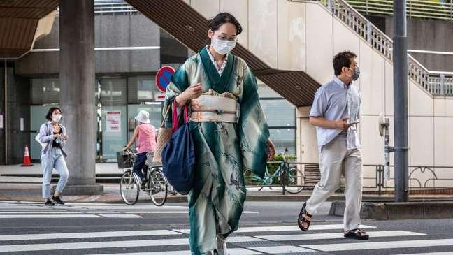 O número crescente de casos faz com que japoneses não aproveitem os Jogos