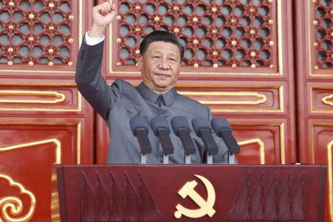 Presidente da China Xi Jinping discursa durante as comemorações dos 100 anos do Partido Comunista chinês, do qual é secretário-geral