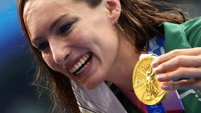 Tatjana Schoenmaker celebra medalha de ouro nesta sexta-feira Stefan Wermuth Reuters