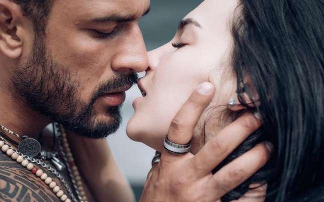 No Dia Mundial do Orgasmo, conheça os 3 signos que pegam fogo entre os lençóis - Shutterstock
