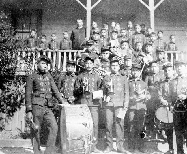 A banda da Escola Industrial da Ilha Kuper