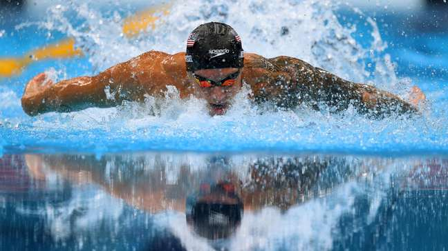 Dressel nada para garantir o ouro olímpico e cravar novo recorde mundial dos 100m borboleta