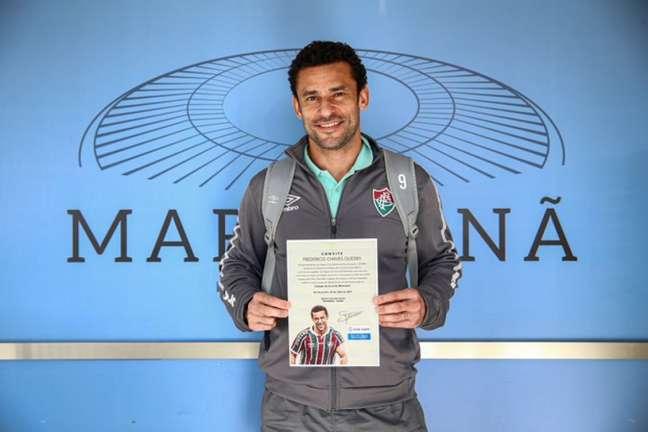 Fred recebeu o convite antes da partida do Fluminense contra o Criciúma (Foto: Lucas Merçon/FFC)