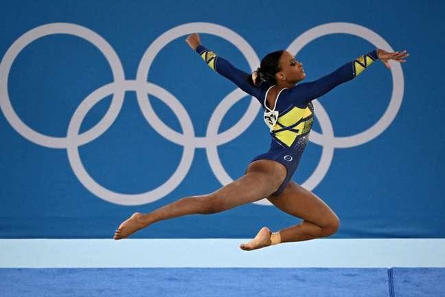 Rebeca Andrade é uma das estrelas do Brasil nos Jogos Olímpicos (LIONEL BONAVENTURE / AFP)