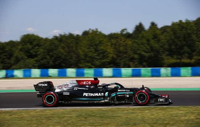 Lewis Hamilton foi o mais rápido do treino livre 3 na Hungria