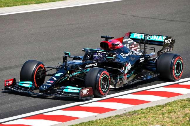 Lewis Hamilton cravou a pole para o GP da Hungria