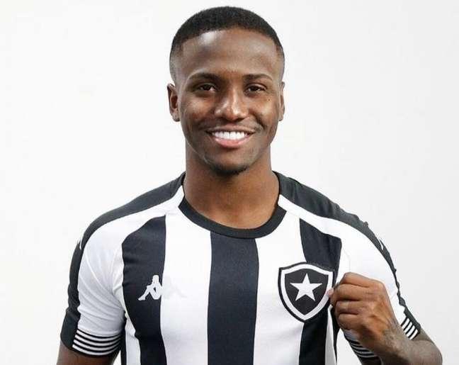 Jonathan com a camisa do Botafogo (Foto: Vítor Silva/Botafogo)