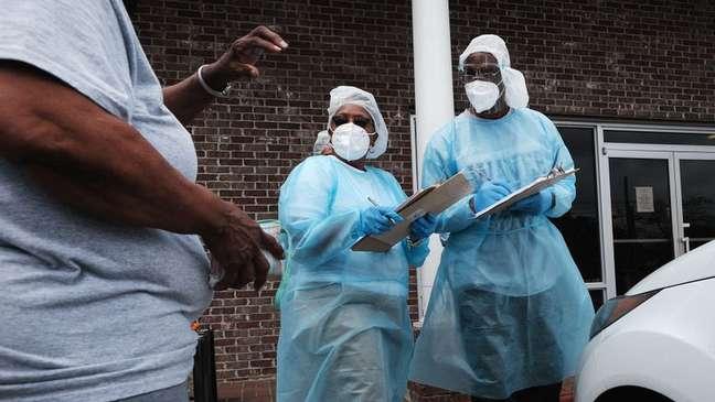 Profissionais de saúde no Mississippi estão trabalhando para aumentar o número de pessoas vacinadas