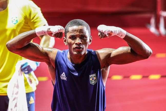 Wanderson Oliveira festeja vitória nos Jogos Olímpicos de Tóquio Reprodução Twitter/@timebrasil