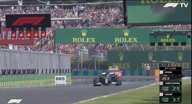 Inacreditável! Hamilton alinhou sozinho no grid para a relargada na Hungria
