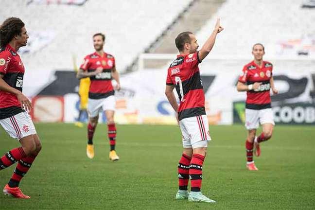 Everton Ribeiro abriu o placar para a vitória do Flamengo na Arena (Foto: Alexandre Vidal / Flamengo)