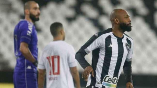 Chay marcou o primeiro gol do Botafogo contra o Vasco (Foto: Vitor Silva / BFR)