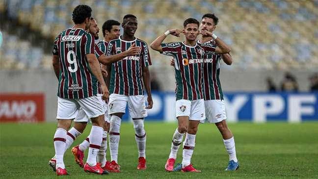 Biel colocou a mão no ouvido após marcar o gol pelo Fluminense (Foto: Lucas Merçon / Fluminense FC)