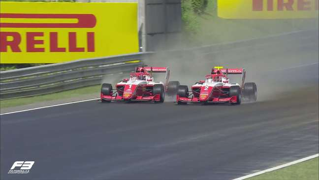 Dennis Hauger (#1) bateu Arthur Leclerc e venceu no molhado neste domingo em Hungaroring (