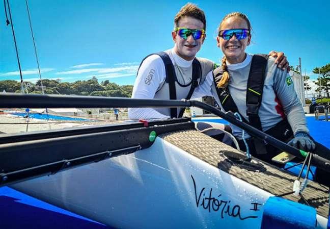Samuel e Gabriela vão disputar a medal race na classe Nacra 17 nos Jogos Olímpicos (Daniel Varsano/COB)
