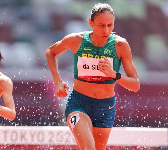 Tatiane Raquel quebrou recorde nacional em prova, mas foi eliminada em Tóquio
