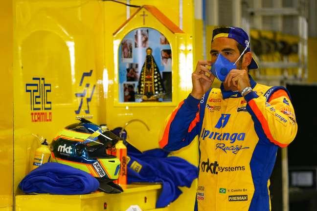Thiago Camilo venceu a corrida 2 da Stock Car em Curitiba
