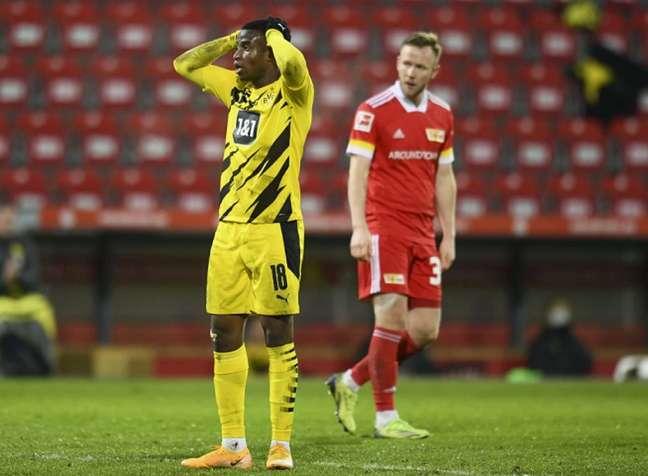 Moukoko espera ganhar mais chances no Dortmund (ANNEGRET HILSE / POOL / AFP)
