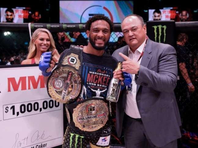 AJ McKee finalizou Pitbull e se consagrou campeão do GP peso-pena (Foto: Divulgação Bellator MMA)