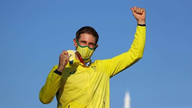 Matthew Wearn, da Austrália, celebra ouro conquistado neste domingo, nos Jogos Olímpicos de Tóquio Carlos Barria Reuters
