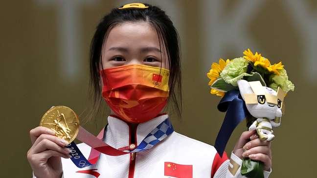Yang Qian é medalha de ouro no tiro esportivo Ann Wang Reuters