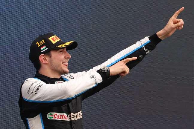 A festa de Esteban Ocon no pódio do GP da Hungria