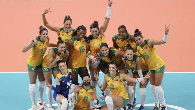 Seleção feminina de vôlei ganhou todos os jogos da primeira fase