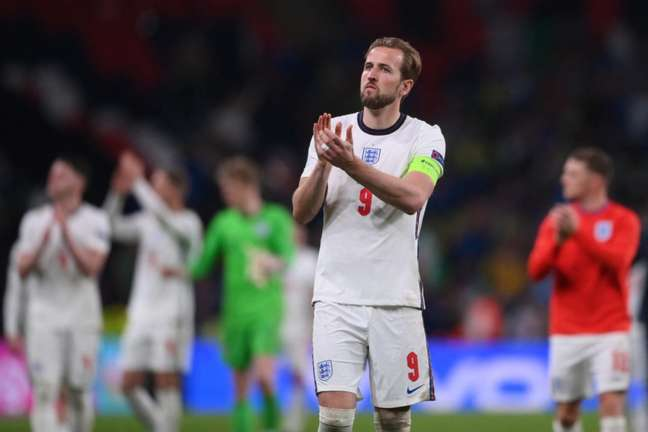 Harry Kane busca saída do Tottenham nas próximas semanas (Foto: LAURENCE GRIFFITHS / POOL / AFP)