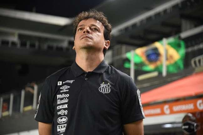 Técnico Fernando Diniz admitiu a queda de rendimento do Santos no segundo tempo (FOTO: Ivan Storti/Santos FC)