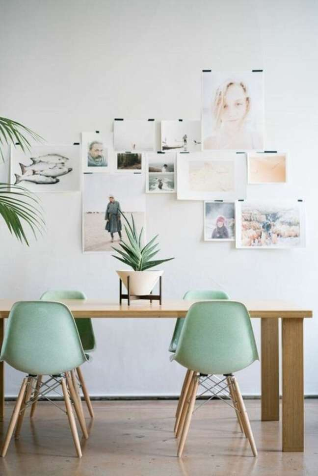11. Cadeira verde menta para decoração de sala de jantar simples – Foto: Pinterest